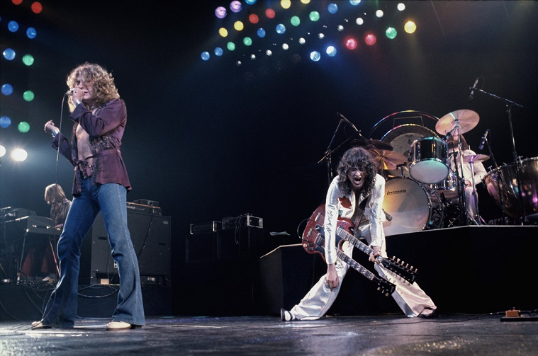 Led Zeppelin on stage 1977